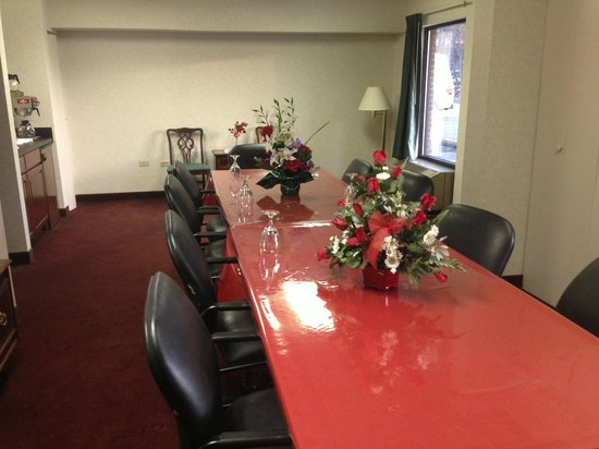 West Jefferson, NC: Meeting room