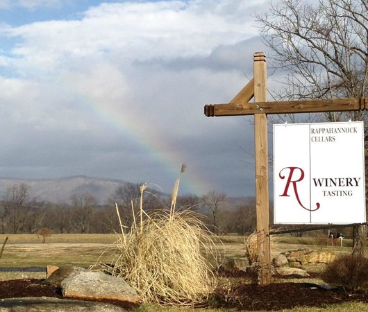 Huntly, VA:                   Wine and rainbow