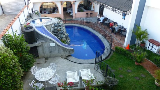 Hotel Santo Tomas:                   pool& breakfast area