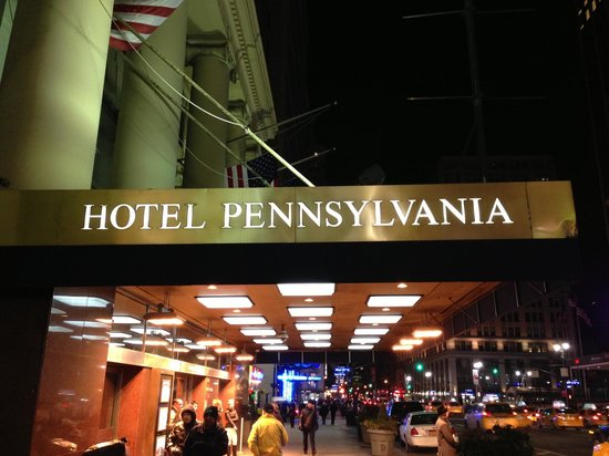 Hotel Pennsylvania New York:                   Hotel Penn front entrance