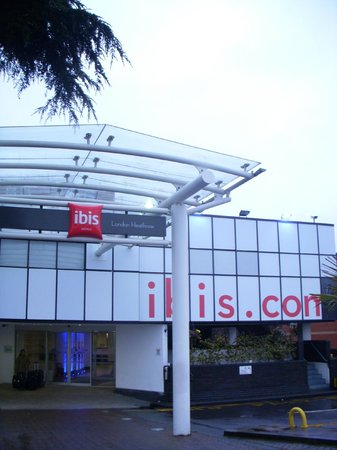 Ibis London Heathrow Airport: Ibis hotel