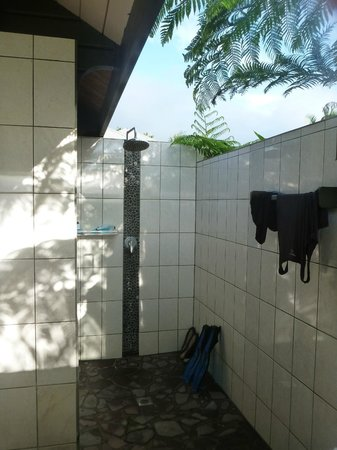 Taveuni Island Resort &amp; Spa:                   the outdoor shower