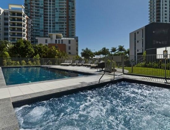 Southport Apartments Reviews
