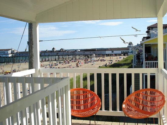 The Copley LaReine Motel: LaReine Ocean Front Balcony