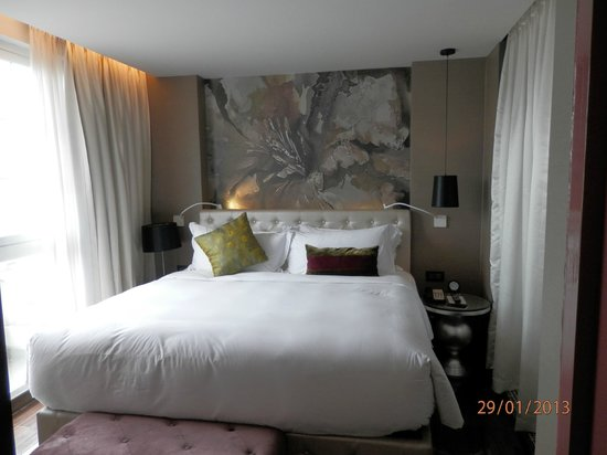 Hotel de l'Opera Hanoi - MGallery Collection:                                     King size bedroom