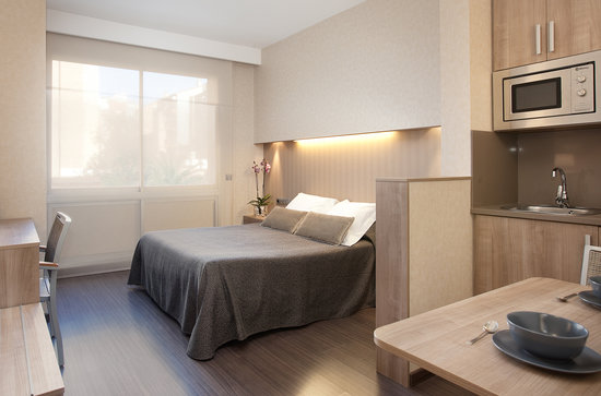 Photo of Aparthotel Silver Barcelona