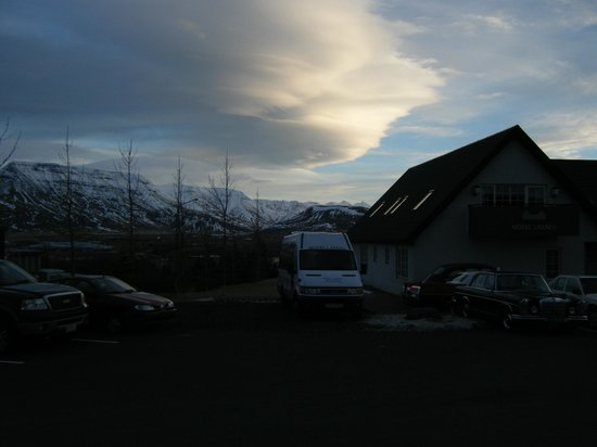 Mosfellsbaer, Islandia:                   View at 10.15 am just getting light !