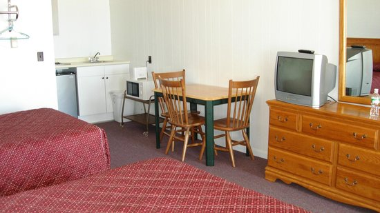 The Copley LaReine Motel: Ocean Front Rooms