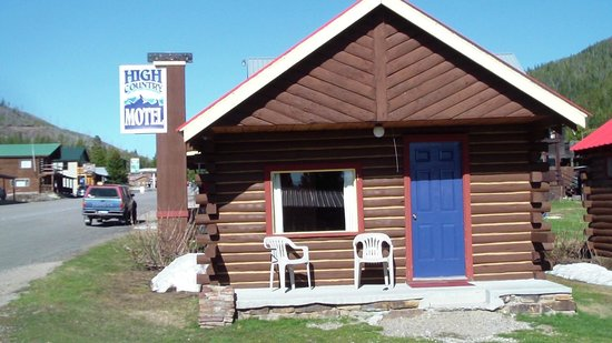 Cooke City High Country Motel: cabin