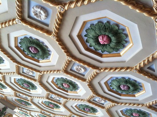 Floridan Palace Hotel:                   Coffered ceiling of lobby and dining room