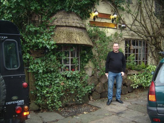Alderley Edge, UK:                   wizards thatch front