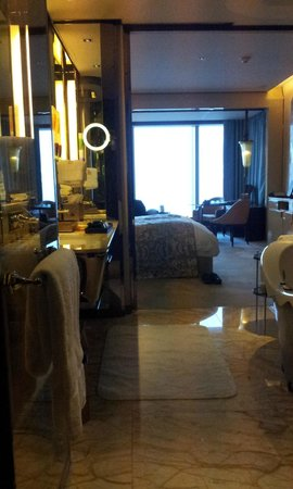 The Ritz-Carlton Shanghai Pudong:                   another look at bathroom and room