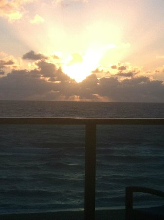 Omphoy Ocean Resort:                   Sunrise! from my room