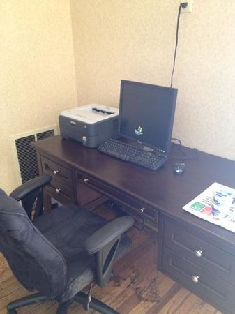 Comfort Inn:                                     small business center...