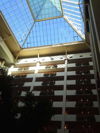 Embassy Suites Northwest Arkansas:                   General view