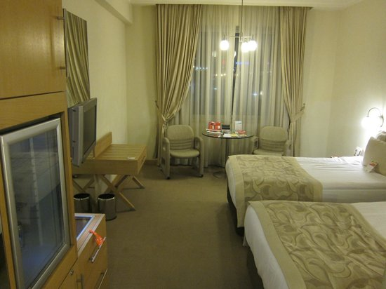 Wow Airport Hotel:                   standard twin room