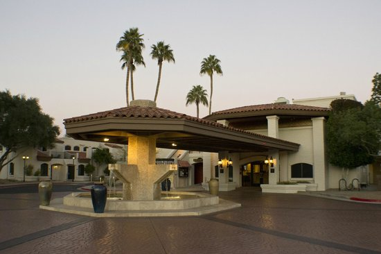 Scottsdale Camelback Resort: Entrance