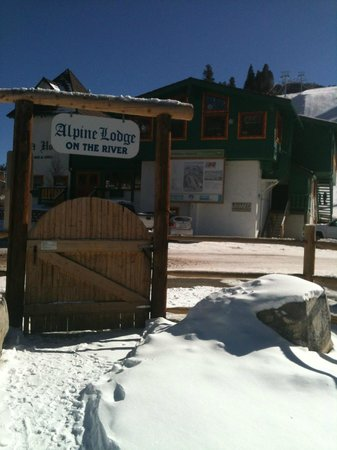 Alpine Lodge &amp; Hotel:                   River Entrance