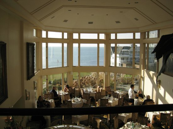 Water's Edge Resort & Spa: Dining area
