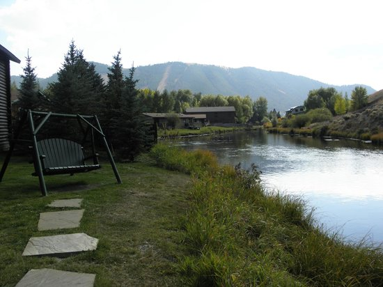 Rustic Inn Creekside Resort and Spa at Jackson Hole:                   Swings along the stream