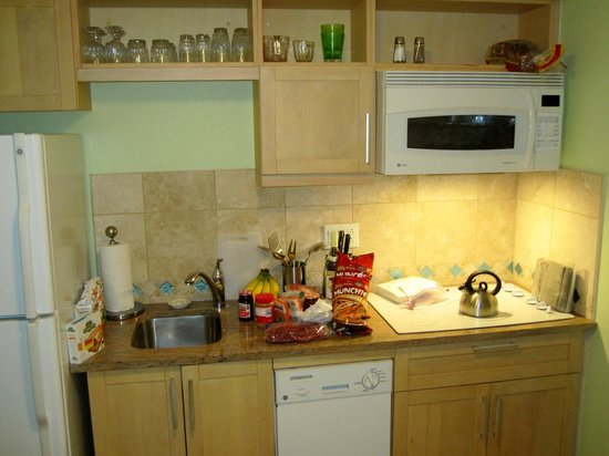 "Oyster Bay Beach Resort: Nice new appliances and tile in this 4th Floor Oceanside ""Studio"""