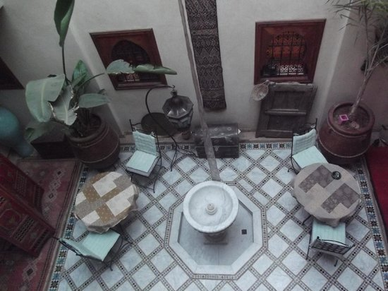 Riad Dubai:                   patio alandalus