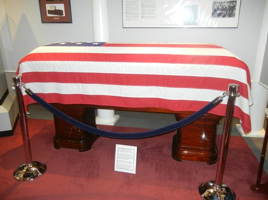 National Museum of Funeral History: Soldier