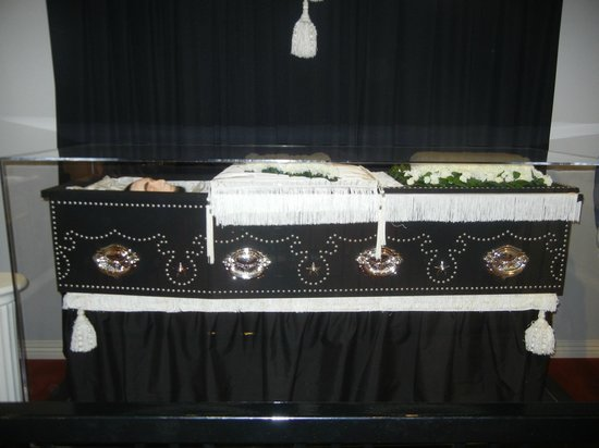 National Museum of Funeral History: Coffin