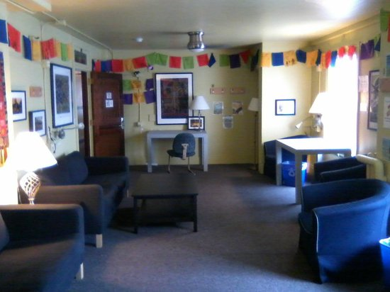 Hostelling International Seattle at American Hotel:                   Common Room at Noon