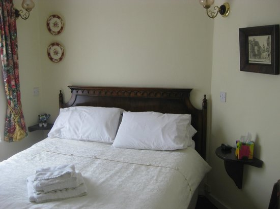 Chester Town House:                   Sweet little room, comfortable bed.