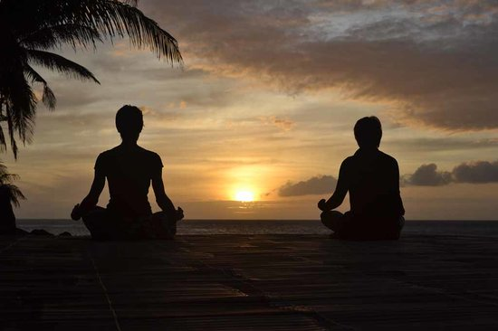 Camiguin Volcan Beach Eco Retreat & Dive Resort: Yoga at the Sundeck
