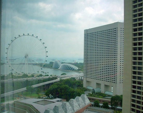 Conrad Centennial Singapore:                   Singapore Flyer from the Conrad