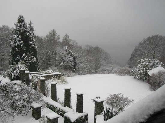 Cragwood Country House Hotel:                   Snowed in on our second day!