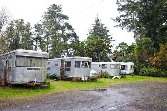 Sou'wester Lodge:                   So many cute trailers to pick from :)