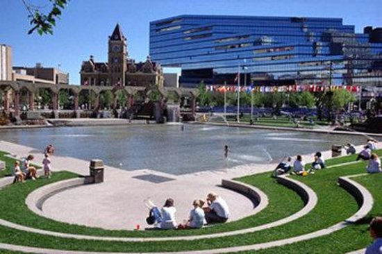 BEST WESTERN PLUS Calgary Centre Inn: Olympic Plaza