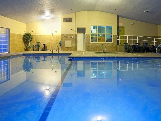 La Quinta Inn & Suites Coeur D'Alene East: Pool