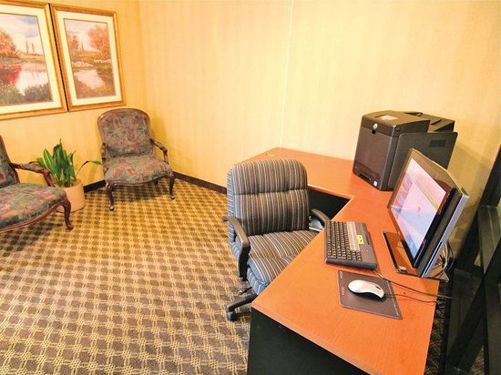 La Quinta Inn &amp; Suites Hayward Oakland Airport: Business Center