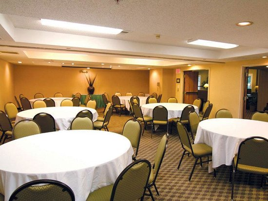 La Quinta Inn &amp; Suites Hayward Oakland Airport: Meeting Room