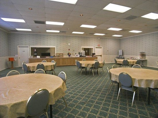BEST WESTERN PLUS Yosemite Way Station Motel: Breakfast Area