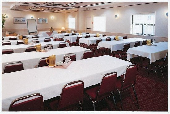 BEST WESTERN Village Park Inn: Charleswood Meeting Room