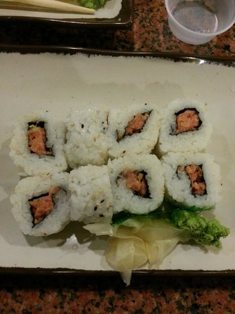 Tulare, CA: Spicy Tuna Roll - more rice than tuna