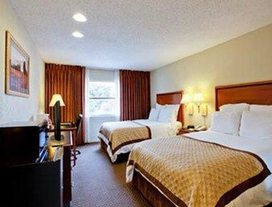 Hawthorn Suites by Wyndham - Arlington DFW South: Two Double Bed Room