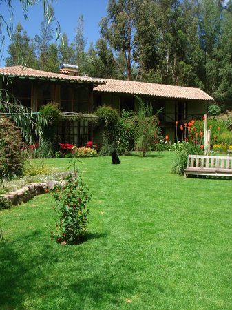 The Green House Peru: The Beautiful Garden