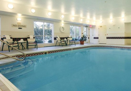 Fairfield Inn & Suites Houston The Woodlands: Indoor Pool
