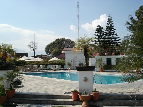 Hotel Shanker:                   View of the pool area