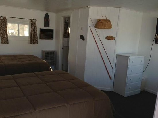 East Jordan Motel: 2 double beds in room 7