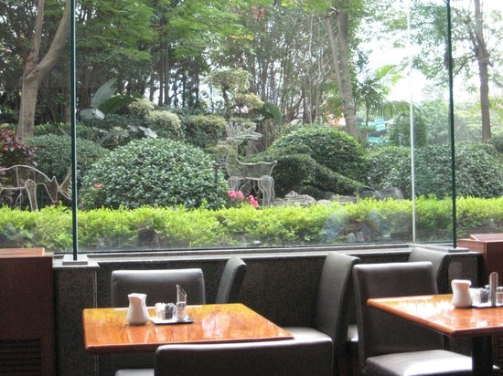 Regent Taipei: garden view from restaurant
