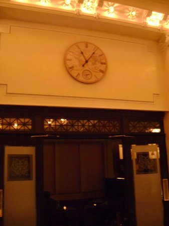 The Mansfield: Lobby