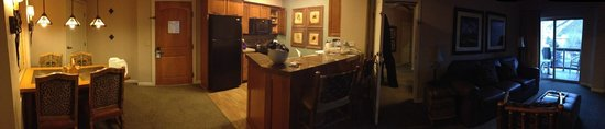 Sheraton Mountain Vista Resort:                   Panoramic of dining room, kitchen, living room