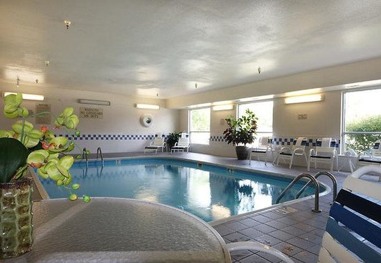 Moline, IL: Indoor Pool